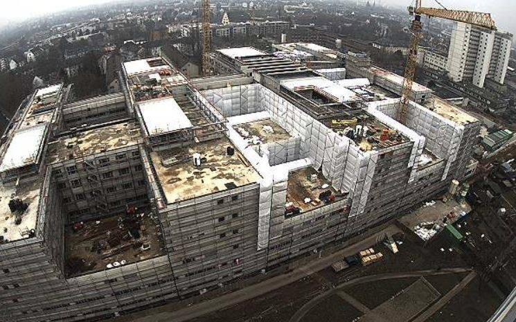 Frankfurt Hospital under construction