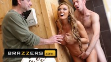 Brazzers – Blonde milf Stacey Saran cheats in the shower