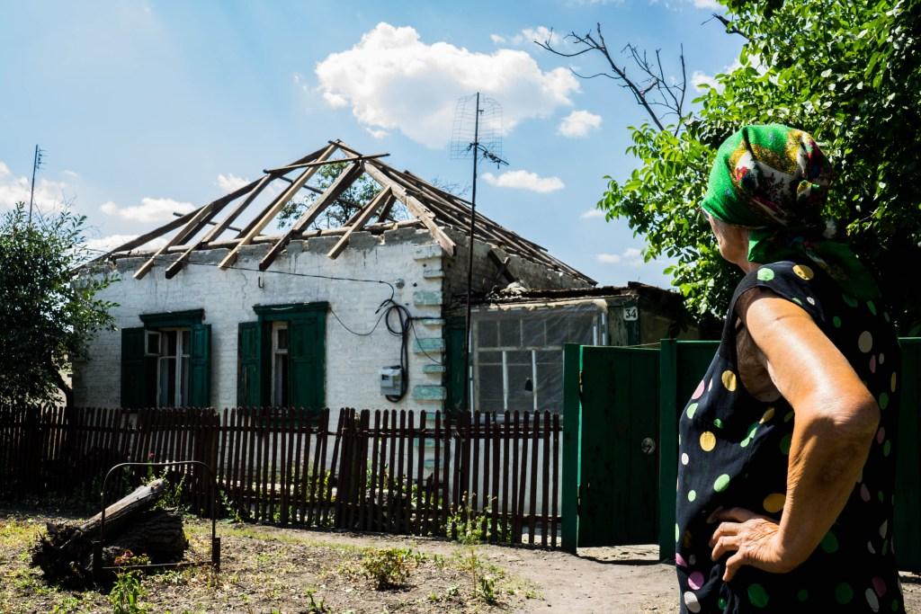 Іловайськ. Хата без даху