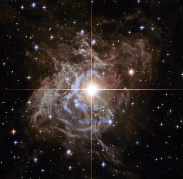 """Рождественский венок"" от Nasa: телескоп Hubble прислал ..."