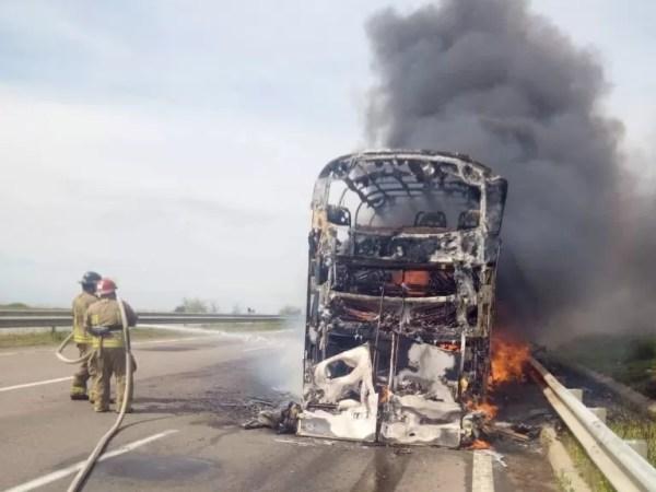 Пассажирам автобуса, сгоревшего под Одессой, выплатят ...