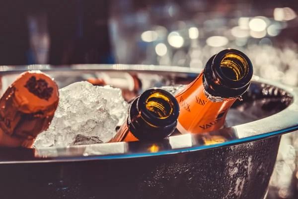 Безалкогольный алкоголь становится популярным в США