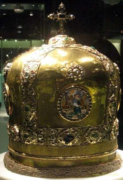 Золотая митра Гедеона похищена чекистами 1933 г. с Софийского собора спрятана в Историческом музее москвы