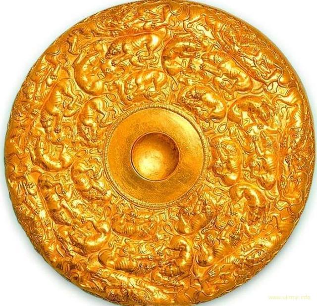 Золотая фиала из кургана Солоха. 4 в. до Р. Х. Запорожская область. Украдена и спрятана в Эрмитаже