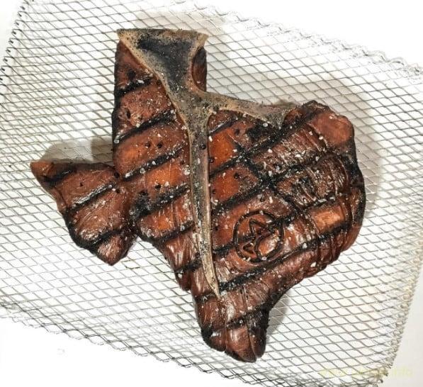 Странный торт-розыгрыш для друзей – техасской бифштекс!