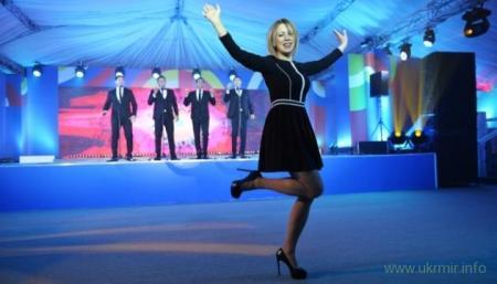 Балаболка Захарова обвинила США в подготовке ядерной войны