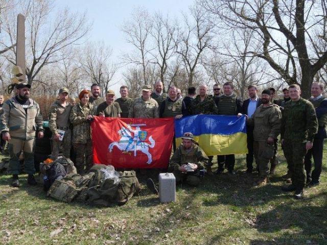 На Донбассе странная война, а Путин зашел не только в Украину
