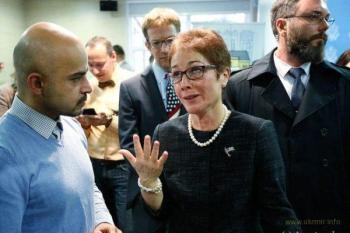 Русская миссия послицы США в Украине Мари Йованович