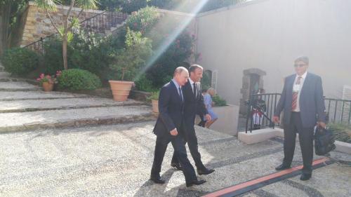 Друг Макрон и друг Путин поговорили о судьбе Украины