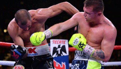 Звезда бокса Альварес зрелищно нокаутировал Ковалева из РФ