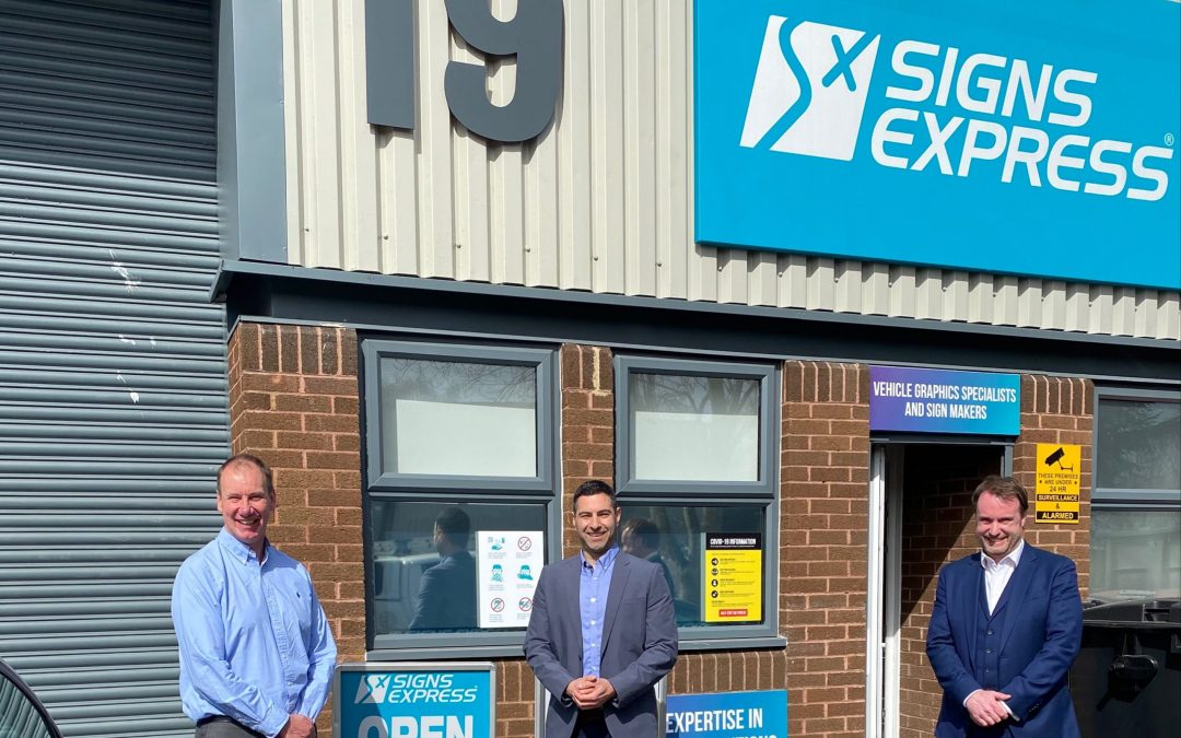 New owner welcomed at ISA-UK Member Signs Express – Gloucester