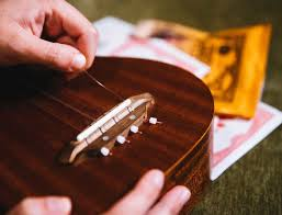How to change ukulele strings