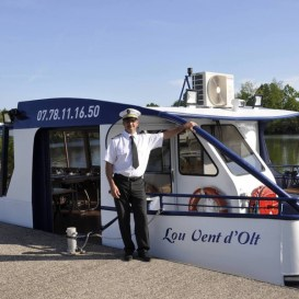 Capitaine et le bateau Lou Vent d'Olt à Port Lalande