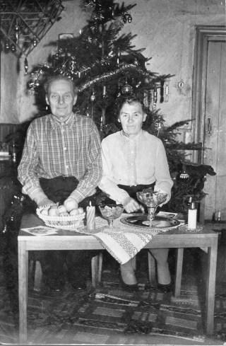 August Talk ja Helmi Talk, jõulud Usiniidi talus.