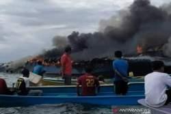 Kapal Penumpang Terbakar di Perairan Bombana