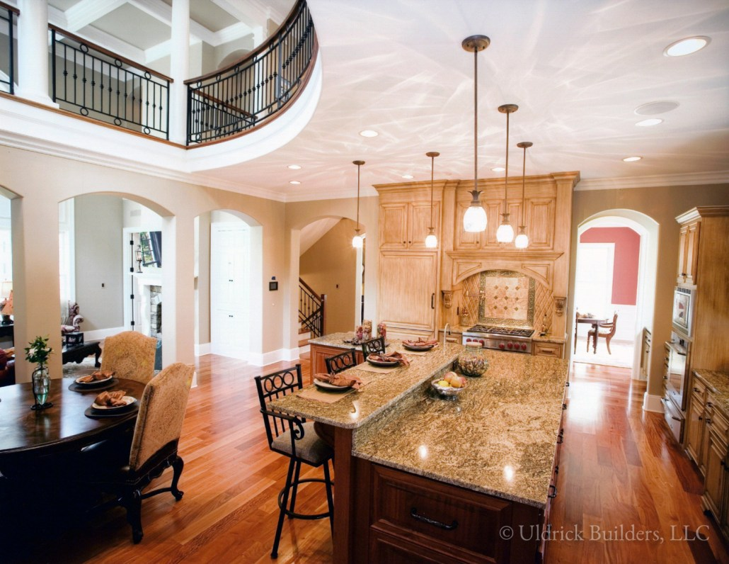 Custom Home - Dining Area & Kitchen