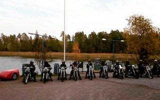 Vapaa-ajalla moottoripyöräilyä