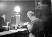 Australian reporter in the Hotel Kämp press room