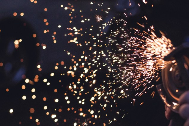 sparks-692122_1920
