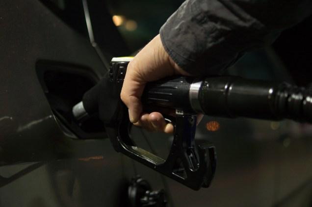 petrol-996617_1280.jpg