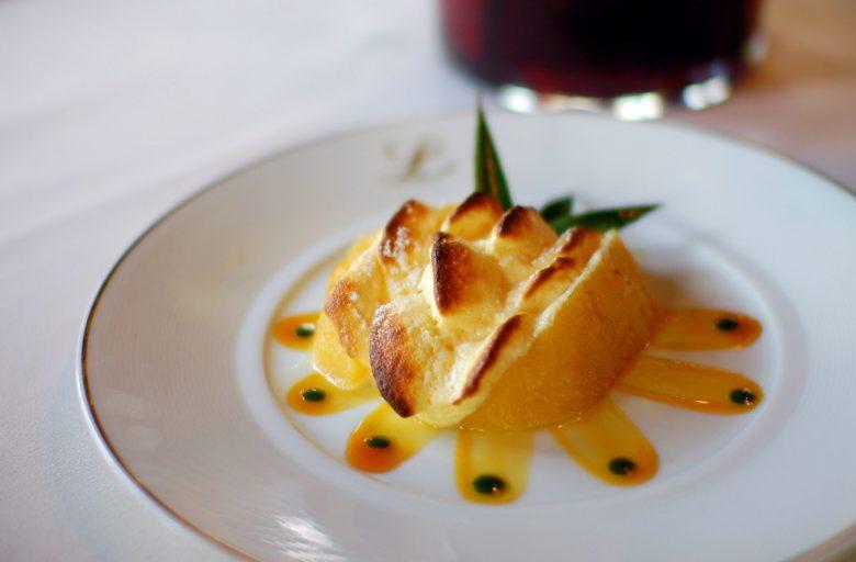 Menu Dejeuner Dessert: Soufflé chaud Passion et Ananas