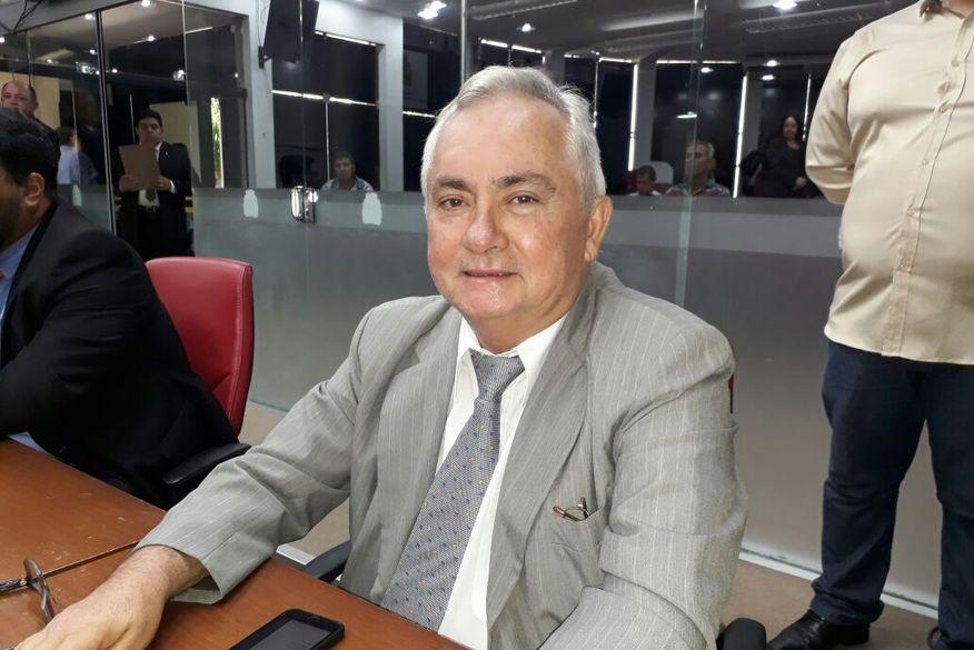 Secretário Geral do Ministério Público da União, Eitel Santiago, defende Bolsonaro e diz que Celso de Mello errou ao divulgar vídeo integralmente