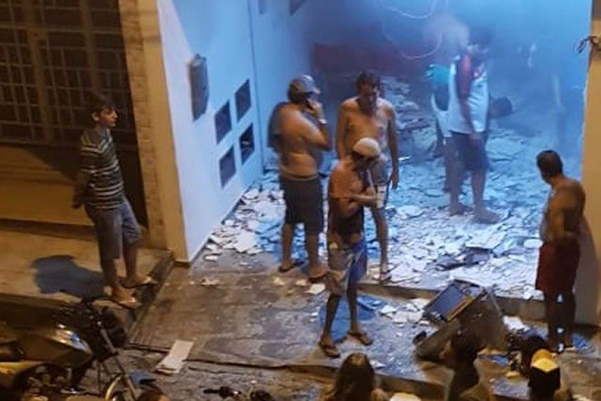 Bandidos explodem agência bancária e lotérica na Paraíba