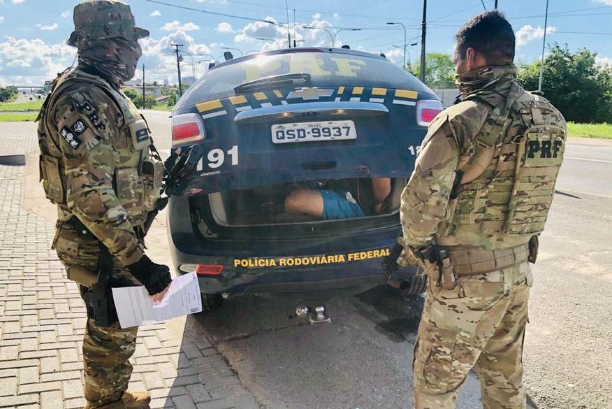 Polícia Rodoviária Federal prende foragido da justiça de Alagoas em Campina Grande