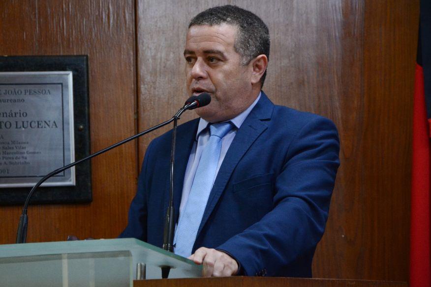 João Almeida se licencia do cargo de vereador para concorrer a prefeito de João Pessoa e abre vaga para Sérgio da Sac
