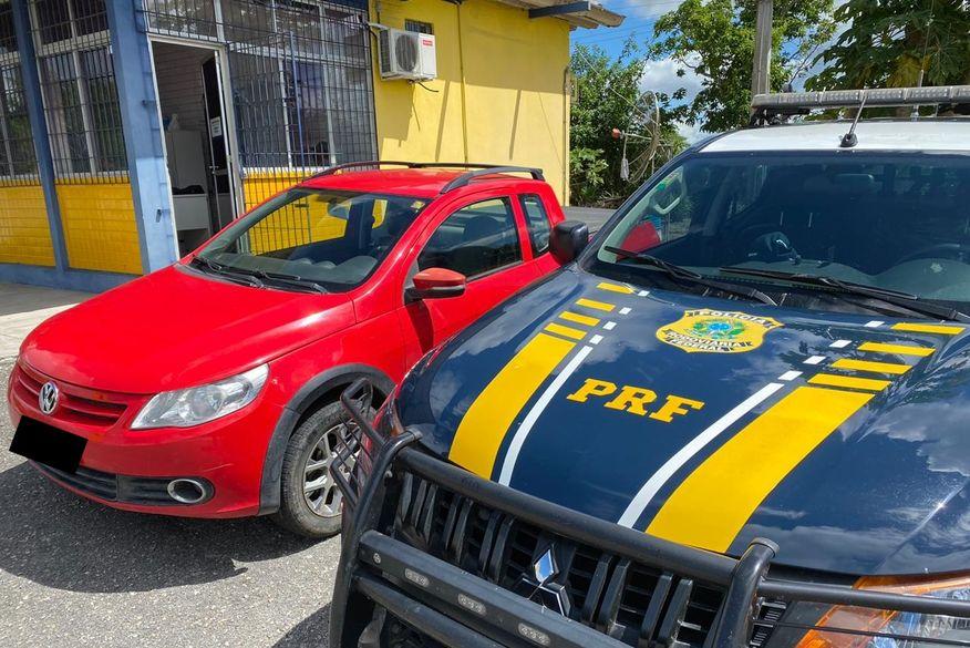 PRF recupera carro roubado após ser vendido em feira livre por valor R$ 11 mil menor que preço de mercado
