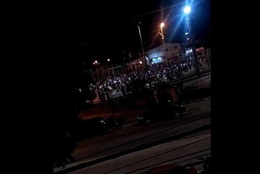 Polícia encerra aglomeração com música e bebedeira em Praça de João Pessoa