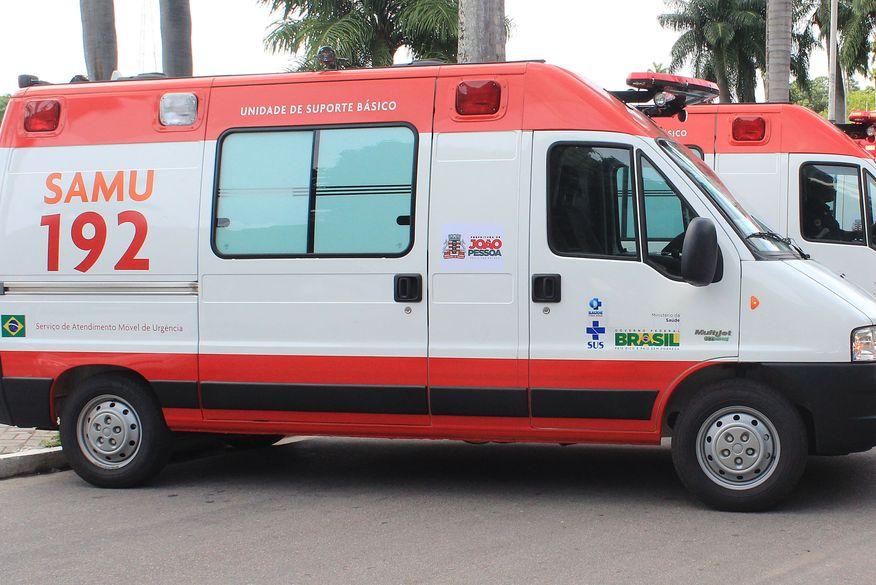 Uma pessoa morre e outra fica ferida após veículo sair da pista em Olho D'Água