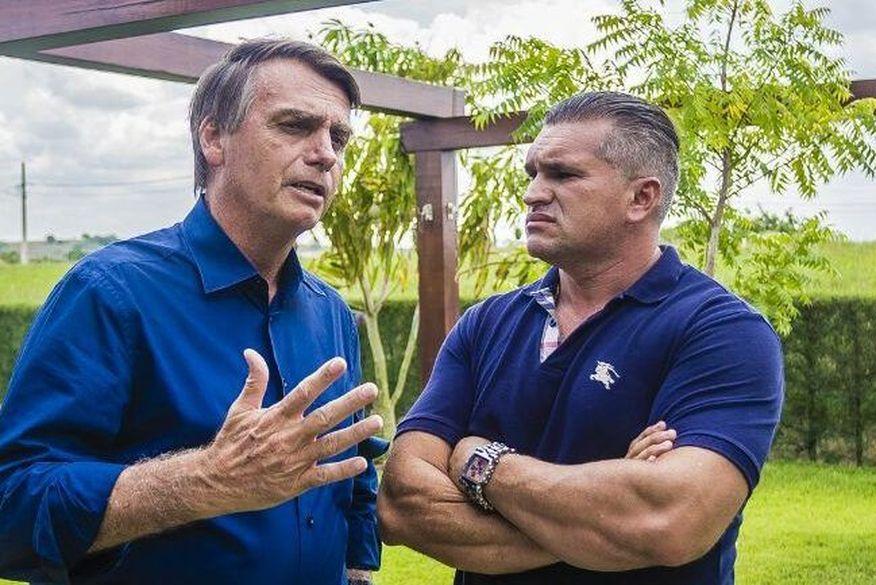 Bolsonaro quer expulsão de deputado paraibano Julian Lemos para poder voltar ao PSL