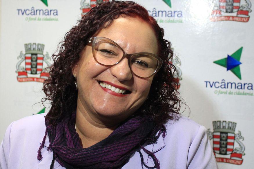 """Sandra Marrocos critica voto de repúdio da Câmara de João Pessoa a Chico César, mas considera que """"a pessoa tem que arcar com o que diz"""""""