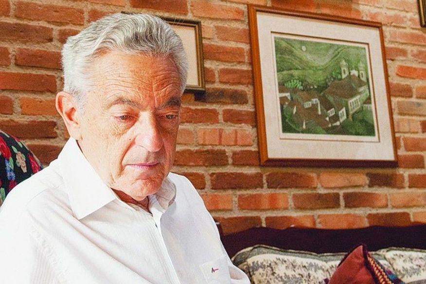 Morre Alfredo Bosi, um dos maiores críticos literários do Brasil, de Covid, aos 84 anos
