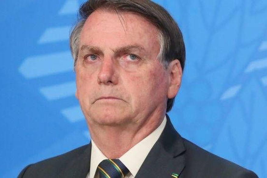 Bolsonaro critica passaporte da vacina: 'Se passar, eu veto'