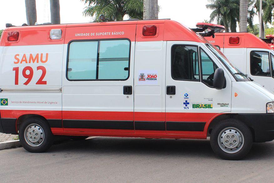 Homem assalta equipe do Samu durante atendimento a grávida e fere condutor, em João Pessoa