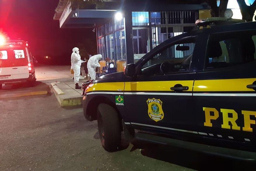 Homem com covid-19 é detido por descumprir isolamento e viajar para Sertão da Paraíba em táxi com mais quatro pessoas