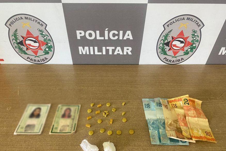 Polícia Militar prende suspeito de tráfico de drogas em carro clonado na orla de João Pessoa
