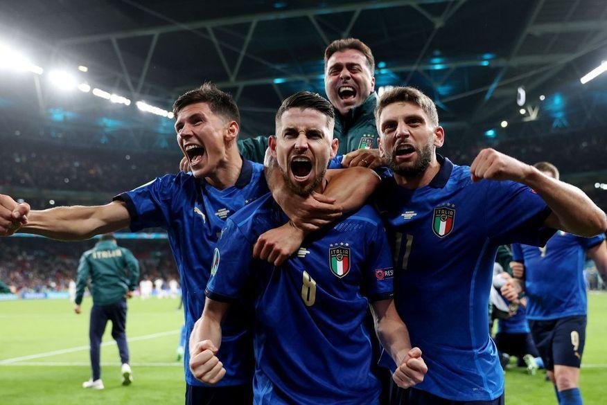 Itália vence Espanha nos pênaltis e alcança final da Eurocopa