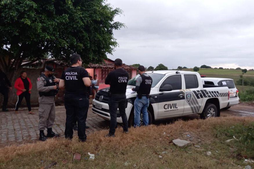 Operação Fariseu desarticula organização criminosa, prende oito pessoas e apreende armas e munições no Agreste da Paraíba