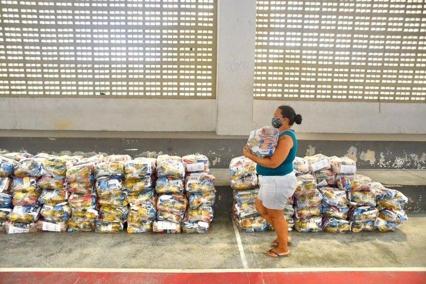 Paraíba já distribuiu mais de 1,2 milhão de cestas básicas a alunos da rede estadual e manterá entrega até ter ensino 100% presencial