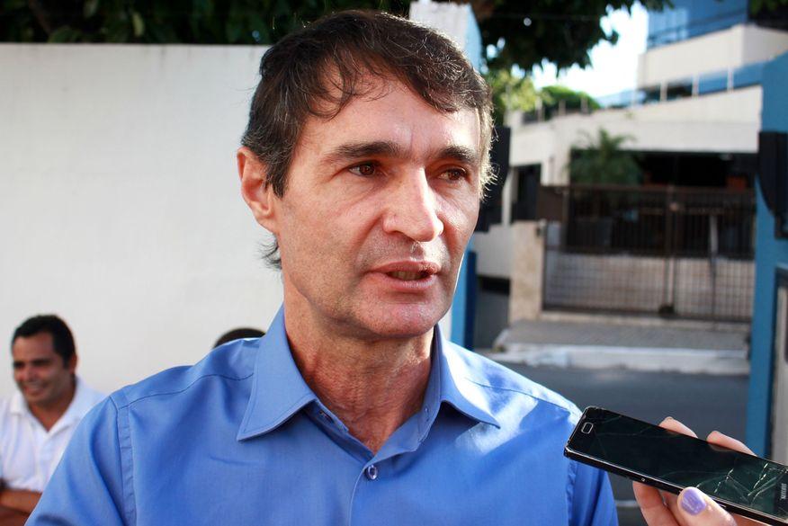 """Daniella elogia Romero Rodrigues e diz que ex-prefeito """"seria um vice importante para qualquer um"""""""
