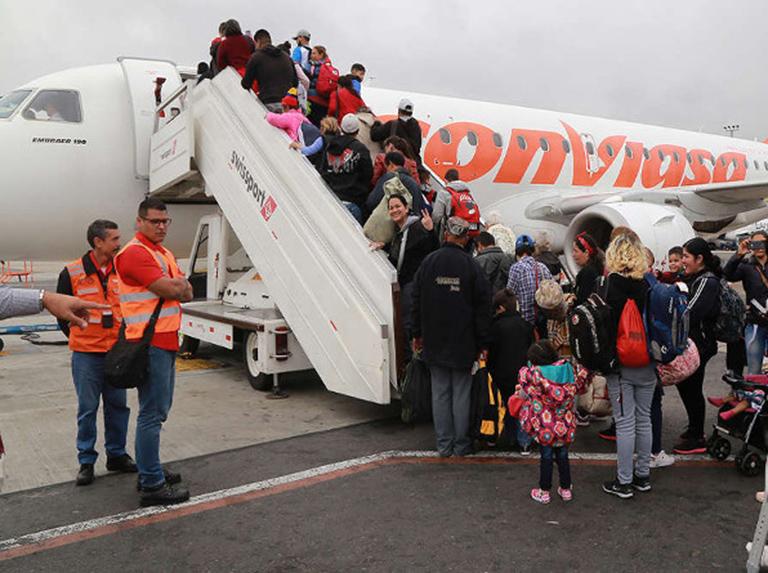 Criollos en EEUU piden activar vuelo humanitario