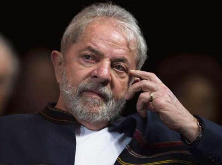 Lula dispara contra Bolsonaro y busca alianzas para 2022
