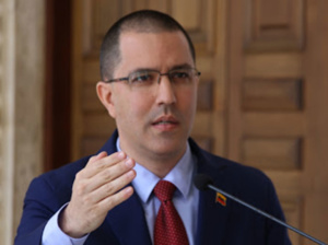 Arreaza exhortó a no ser indiferentes ante violencia en Colombia