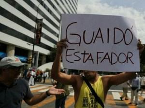 "Guaidó ""aprueba"" millones de dólares para pagar abogados en Londres"