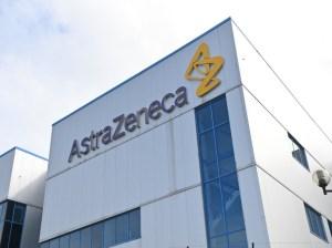 Reino Unido desaconseja el uso de AstraZeneca en menores de 30 años