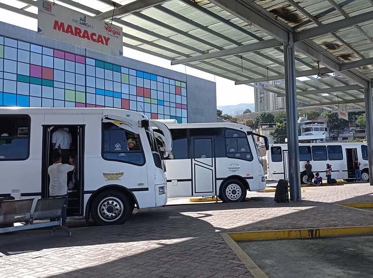 Suspenden transporte interurbano en todo el país