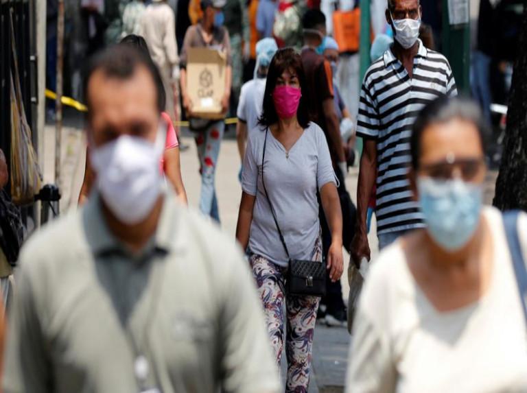 Suramérica vuelve a confinarse por temor a variante brasileña